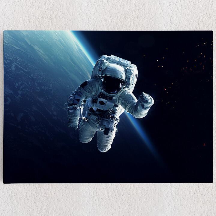 Personalisiertes Leinwandbild Weltraumspaziergang