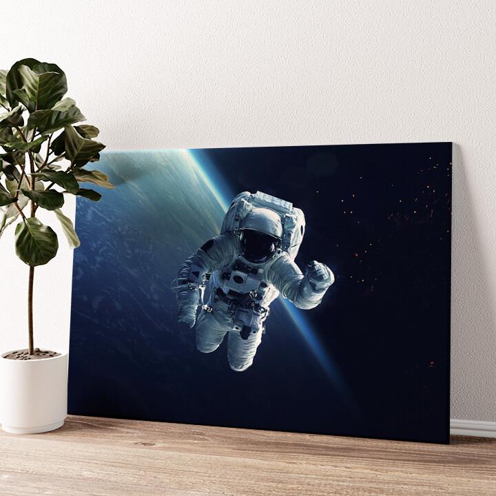 Weltraumspaziergang Wandbild personalisiert