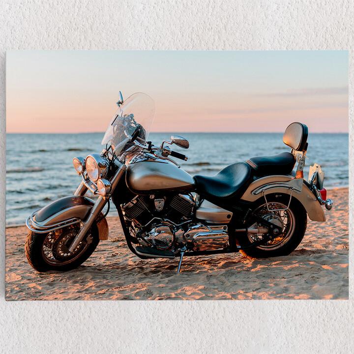 Personalisiertes Leinwandbild Motorrad am Strand