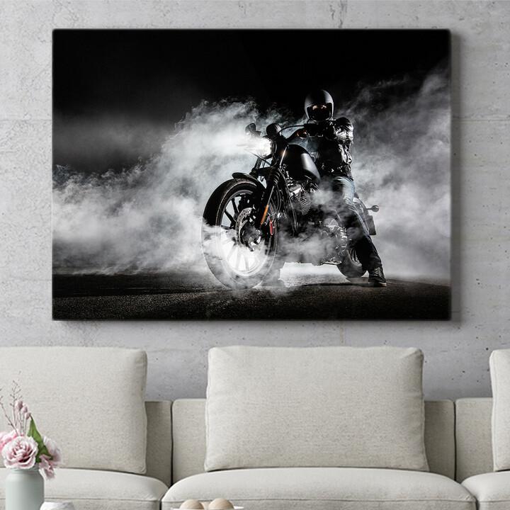Personalisierbares Geschenk Motorrad im Nebel