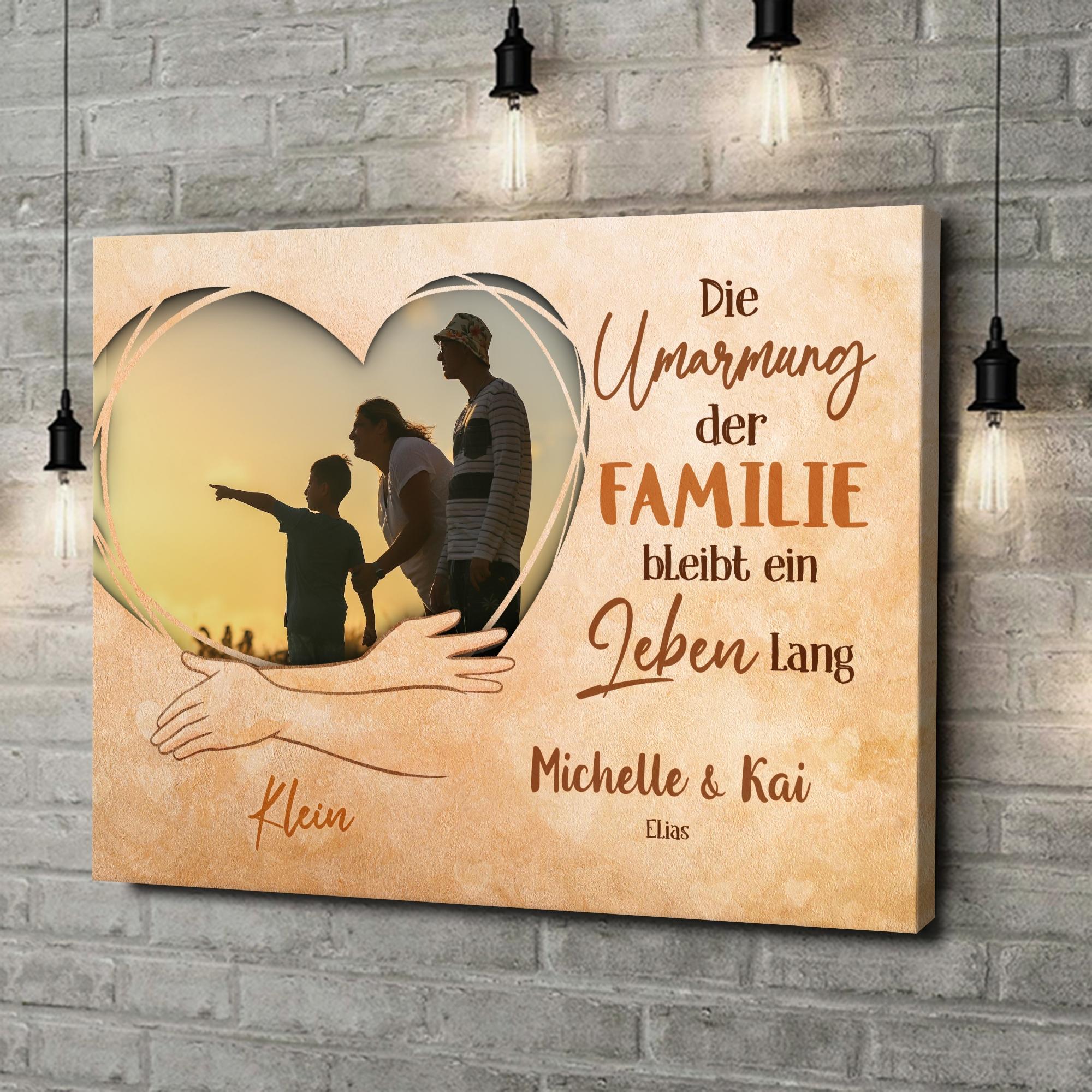 Leinwandbild personalisiert In den Armen der Familie