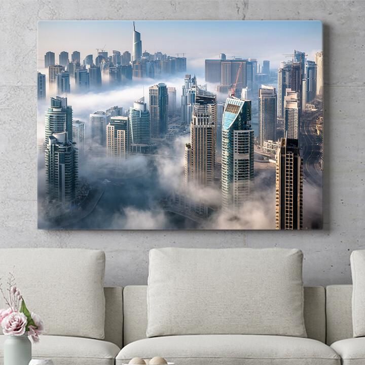 Personalisierbares Geschenk Dubai Skyline Nebel