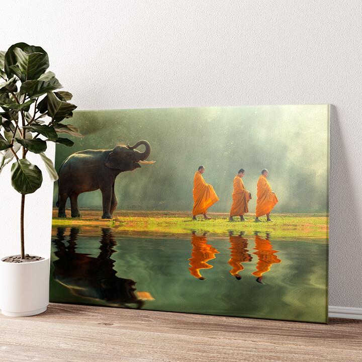 Mönche mit Elefant Wandbild personalisiert